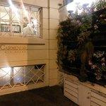 Frente do Hotel - bonito e charmoso