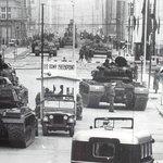 Tank encounter during the Cuba crisis in 1962