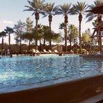 Bel aménagement de piscine