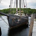 L. A. Dunton (schooner)