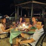 Cena en la playa del hotel