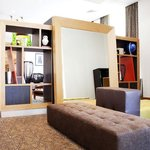 Holiday Inn Newcastle Gosforth Park Lounge