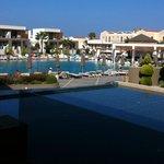 Vue sur la piscine principale