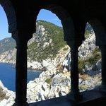 Il mare dalle logge della Chiesa di San Pietro a Porto Venere