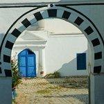 Centro storico: Sidi Bou Said: Tunisia: volta e cortile