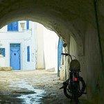 Centro storico: Sidi Bou Said: Tunisia: posteggio