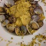 Straccetti vongole e pesto di pistacchi di Bronte