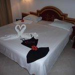 chambre avec lit king size + 1 lit 90 x 190