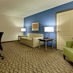 Holiday Inn Atlanta Airport North Executive Suite Living Room