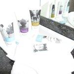 крема и лосьоны в ванной