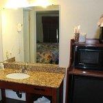 Executive Inn Fresno Guest Room
