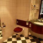 Bathroom with floor heating