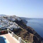 piscina y vistas desde una de las terrazas
