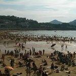 Otra vista de la Playa de la Concha de San Sebastián.
