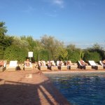 Relaxing by the pool after a spectacular bike-round trip in the nearby wine area and surrounding