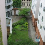 Вид во двор с террасы