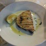 Pesce spada alla griglia del menú turistico
