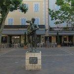 El Café Llorca en la plaza principal de Vallauris