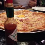 ピザは四人くらいでシェアできる