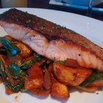Salmon fillet with Provençal potatoes and watercress