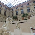 Tranquillity at the Louvre!
