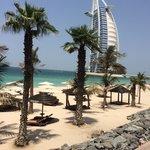Il Burj Al Arab dalla spiaggia del MAS