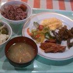 鹿児島らしい、ヘルシーな朝食。玄米ご飯も美味。