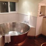 Fabulous cooper bath in room 3