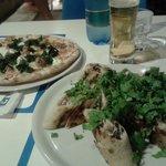 Arrotolata ai gamberi e pizza salsiccia, ricotta, spinaci