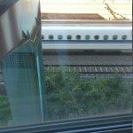 部屋から見た新幹線