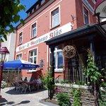 Eingang Hotel-Weinhaus Kläs