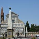 Praça onde se localiza o hotel/ Santa Maria Novella