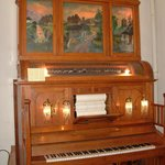 A very interesting player piano