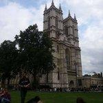 Abadía de Westminster, con nuestro guía Jose!