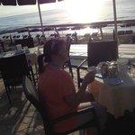 Frühstück direkt am Meer