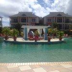 Pool & Island Jacuzzi