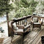 Mtn River Inn bedroom balcony