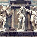 Statues above the Ghiberti doors