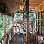 terrasse avec fauteuil suspendu