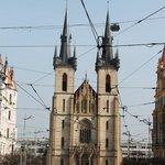 Chiesa che si trova scendendo lungo la strada dell'hotel