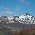 Parc naturel régional des Volcans d'Auvergne: on the road to  La Roussière