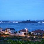 Raxó - Panorámica desde los Apartamentos Solmar del anochecer en la Ría de Pontevedra (18-08-201