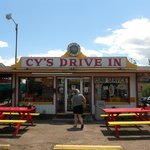 Cy's Drive In Burger Joint an Original Classic