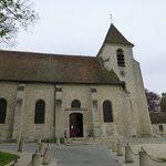 ロワシー村の教会