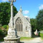 Calvaire, chapelle et fontaine