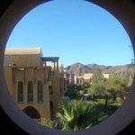 Widok z korytarza hotelu