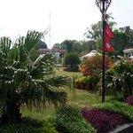 территория отеля. виден знаменитый непальский флаг)