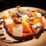 tomate amarillo queso de cabra nueces con modena y miel