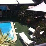 La piscine, vue de la chambre