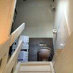 Treppe hinauf zum WC- und Naßbereich